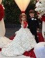 Românticos Pequenos criança Do Bebé vestido de baile branco vestidos de comunion Floral vestido da menina flor com trem