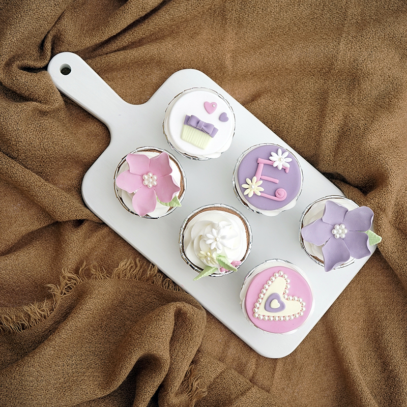 Colored cake plate afternoon tea dessert tray macaroon chopping board cake stand in cake ...
