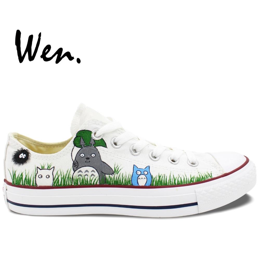 Prix pour Wen Custom Design Peint À La Main Chaussures Mon Voisin Totoro Low Top Hommes Femmes de Toile Baskets pour Cadeaux D'anniversaire