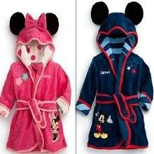 ; детский халат; Розничная! 1 штука; для маленьких мальчиков/девочек, детская одежда с принтом «Минни и Микки мягкий бархатный халат пижама детское платье кораллового цвета b
