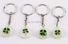 лучшая цена free shipping 4 PCS glow in dark mini drop four leaf clover stainless steel key-chains