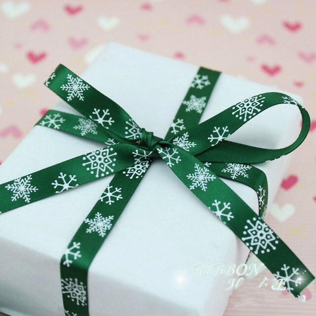 """(2 מטרים\חבילה) 3/8 """"(10mm) ירוק מודפס פתית שלג מבהיקי סאטן סרט חג המולד דקורטיבי מתנת אריזה חתונה מלאכות"""