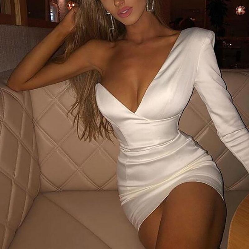 One shouledr v neck mini white dress Women sexy party summer short Female streetwear club elegant bodycon