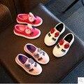 Calzado infantil 2017 primavera nueva moda largo pestañas arco de cuero impermeable de los hombres y mujeres niño niños corriendo zapatos zapatillas de deporte