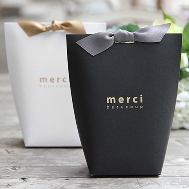 Image 3 - 50pcs/lot New Black and White  Pillow Box Merci  Ribbon Bow Present Carton Pouch Kraft box Gift DIY Boxes Wedding Party Supply-in Jewelry Packaging & Display from Jewelry & Accessories