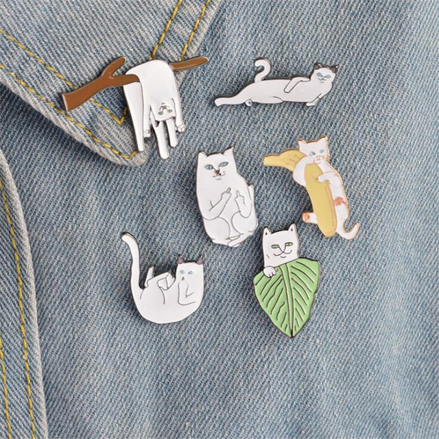 6 pcs/set Lovely White Cat Branches Banana Brooch Pins Cartoon Animal Kitten Brooches For Women Men Jacket Collar Badge Jewelry