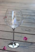 2016 new design hot sale 800ml  wine glasses with metal stem