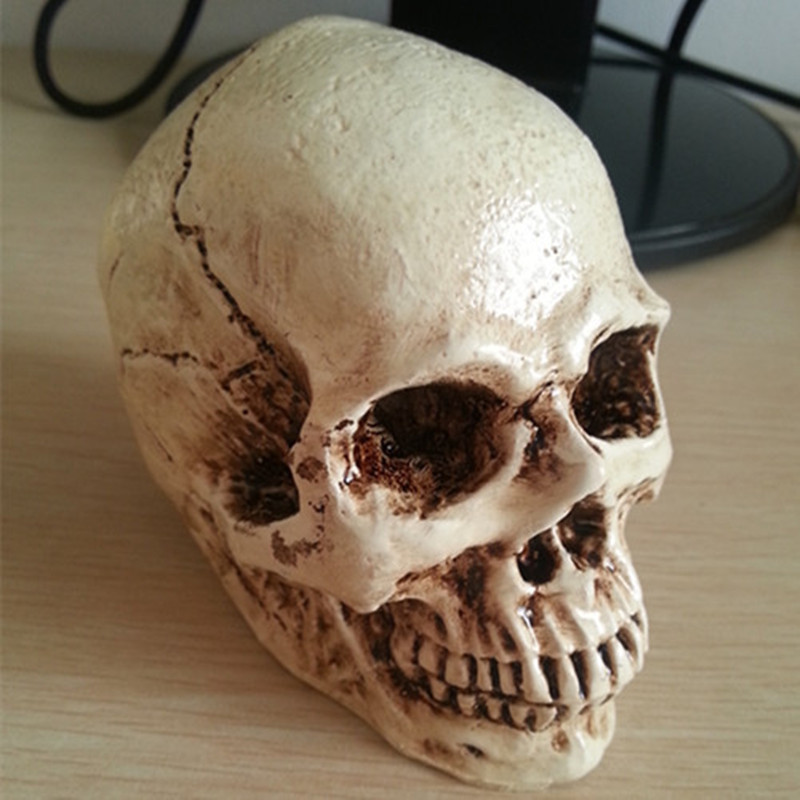 P Flame Otaru Halloween Decoration Props Realistic Horror Skull Resin Sculpture Home Decoration Crafts in Statues Sculptures from Home Garden
