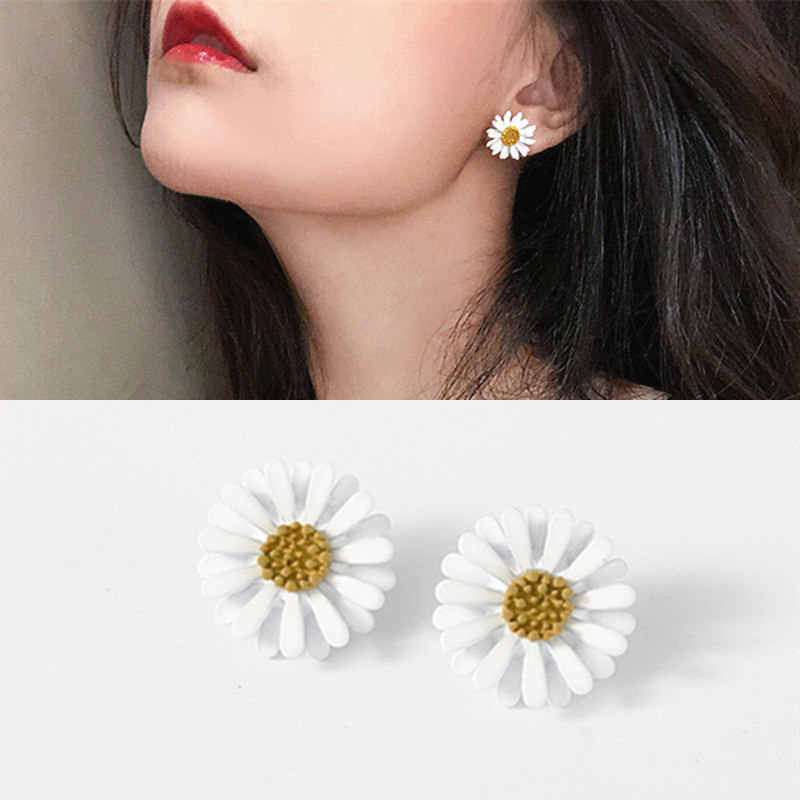 New Arrival Women Classic Flower Stud Earrings Simple White Daisy Earrings Fashion Jewelry Women Accessories Girls Gifts Brincos