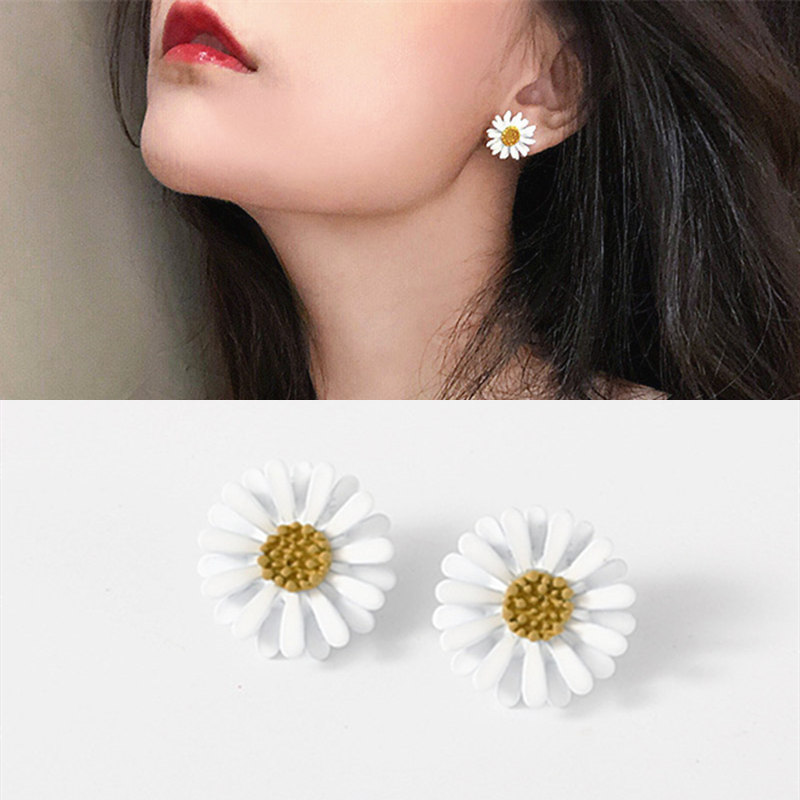 New Arrival Women Classic Flower Stud Earrings Simple White Daisy Earrings Fashion Jewelry Women Accessories Girls Gifts Brincos