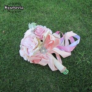 Image 5 - Kyunovia Seti Düğün Buket Yaka Çiceği ve Bilek Çiçek Korsaj Broş buket Nedime Gelin Buketi Düğün Deco D81