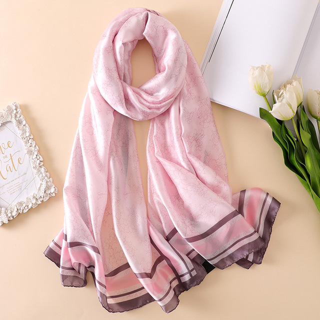 2018 luxury brand Women Silk scarf Beach Shawl and Echarpe Luxurious Wrap Designer scarves Plus Size female beach stole bandana 2