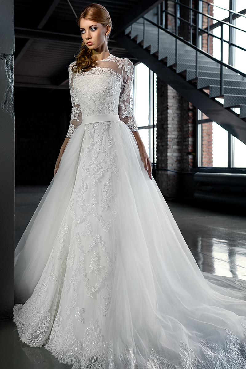 Top Quality Illusion Neckline Wedding Dresses With Long Detachable