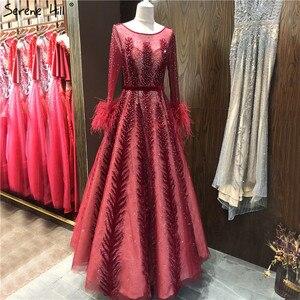 Image 2 - Роскошные винно красные вечерние платья Дубая с длинным рукавом с перьями кристаллами формальное платье 2020 Serene Hill LA70013