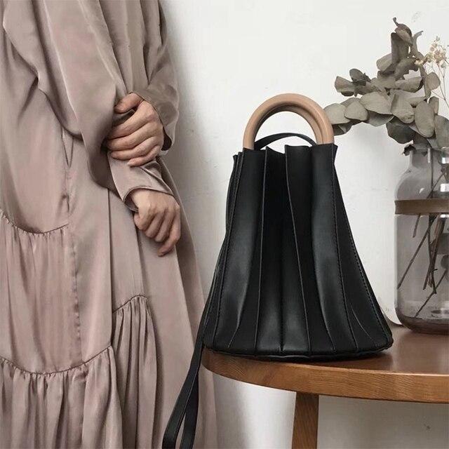 Women Handbag Vintage Three-dimensional Pleated Bucket Bag Wooden Ring Top Handle Designer Crossbody Bags Evening Clutch Purse