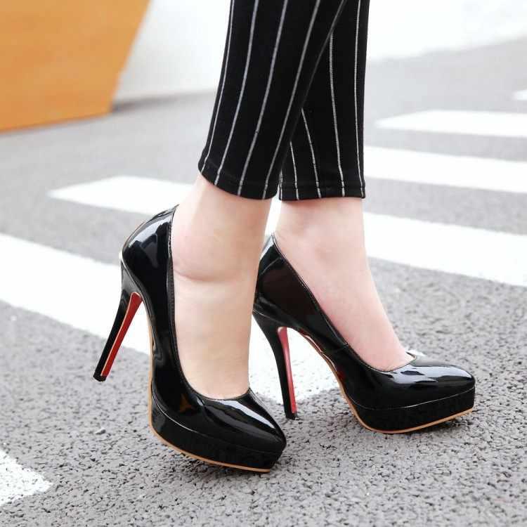 Kadın Moda Klasik Patent Deri Yüksek Topuklu Ayakkabılar Çıplak Keskin Kafa Süper Büyük Küçük Boy 30 32 41 46 48 platformu Düğün Ayakkabı