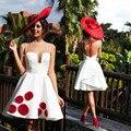 Vestido de Cóctel 2017 Vestidos de Una Línea Sheer Neck Dubai Abaya Vestido de Fiesta Corto blanco con Flores Rojas Vestidos de cóctel Corto
