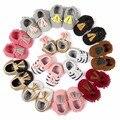 2016 Nova Marca patch padrão PU LEATHER Newborn Infant Toddler miúdo Primeiros Caminhantes Arco Mocassins de sola Macia Do Bebê meninas vestido sapatos