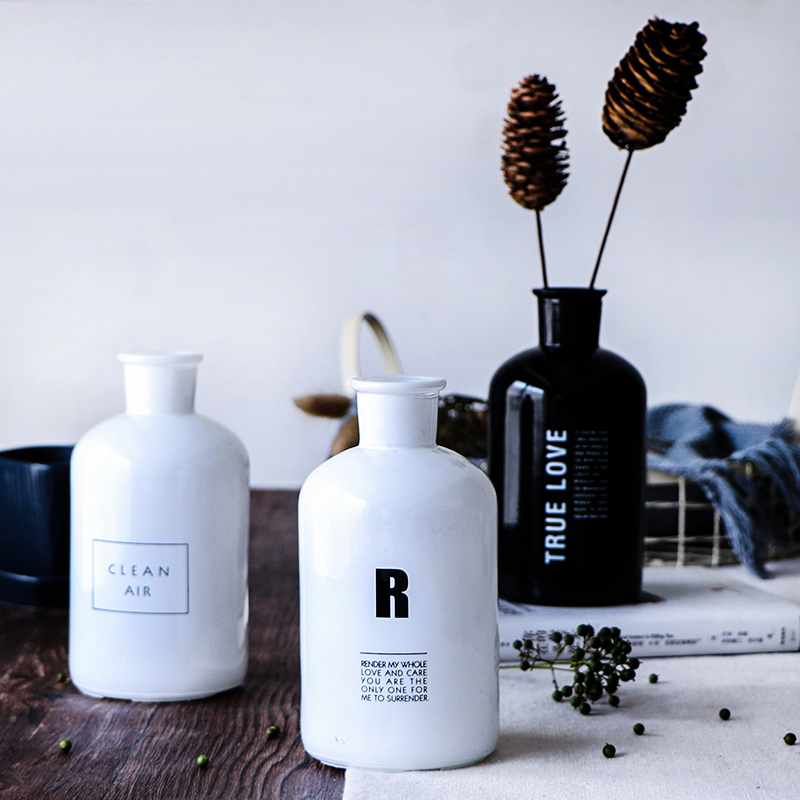 NEW Nodic European Creative Letter Printing Black or White Glass Dry Flower  Bottle Glass Flower Pot Flower Vase Container 500ml