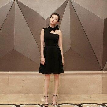 2018 summer new women's dress, the same small dress, retro Hepburn style black , a's shoulder length dress.