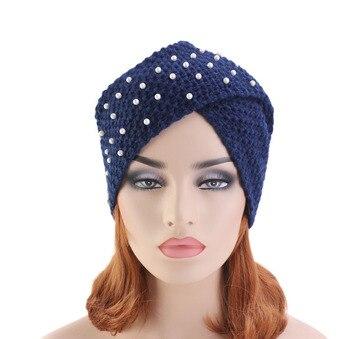 50ecb8289 Nuevo gorro de punto para la cabeza de ganchillo con cuentas de perlas de  invierno cálido Turbante Cruz India gorra para mujeres Hijab mujeres  Turbante