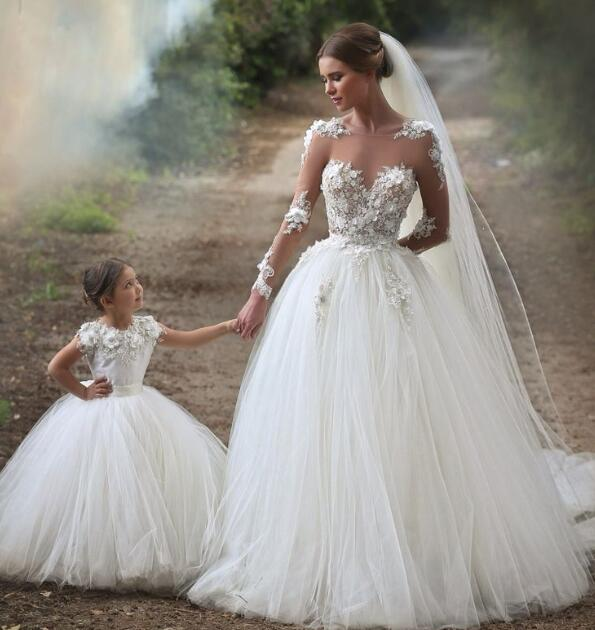White 2019   Flower     Girl     Dresses   For Weddings Ball Gown Cap Sleeves Tulle Lace Long First Communion   Dresses   For Little   Girls