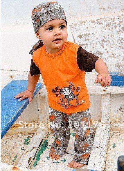 119 wholesales boys clothing sets 3 pieces:tops+pants+ scarf hat  free shipment