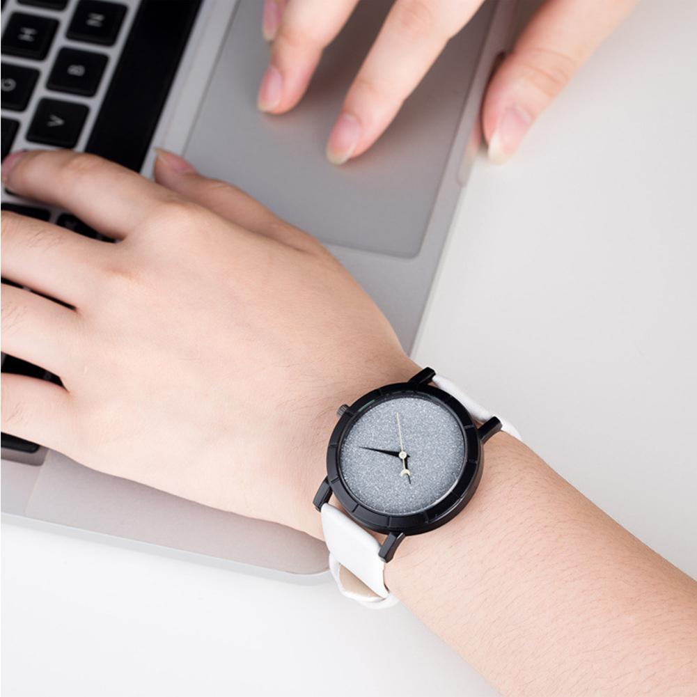LinTimes Women Men Couples Watches White Black Color Leather Strap Simple Casual All-match Quartz Wrist Watch For Lovers