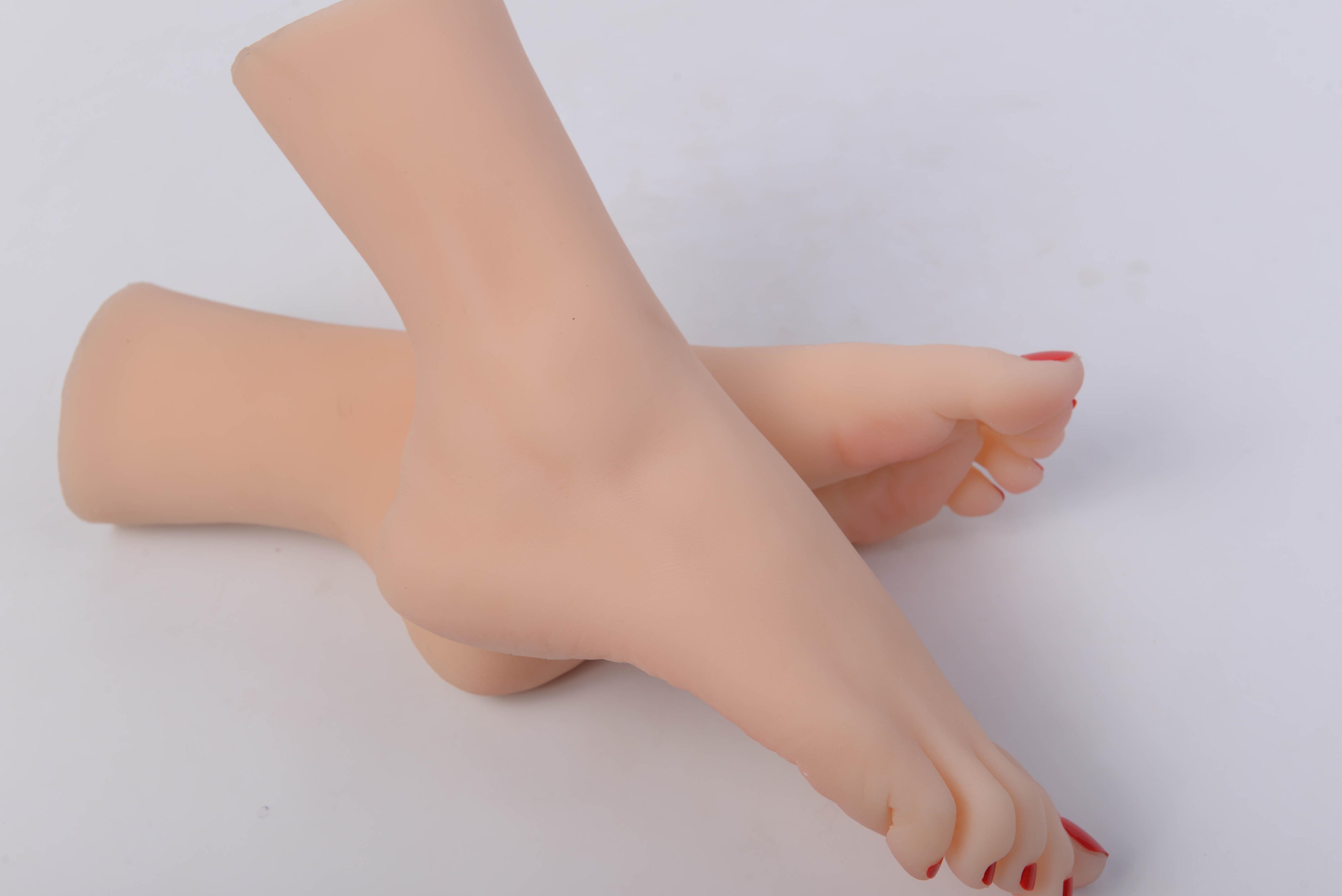 Nouvelle haute qualité Silicone poupée de sexe Silicone mannequins pied fétiche femmes, modèle réaliste de faux pieds de jeune fille