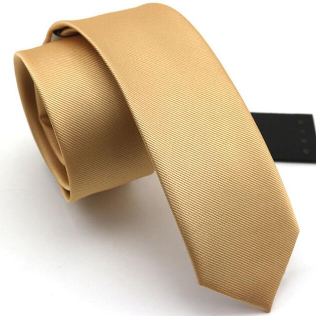 Laços Para Homens Moda de alta Qualidade 6 cm Laços Magros Gravata Do Noivo Casamento Gravatas Gravata De Ouro Designer de Marca Casuais Presente caixa
