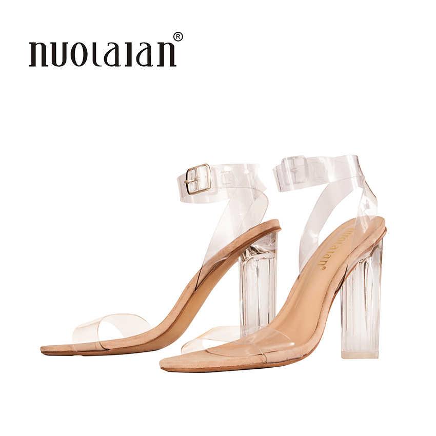 2018 Yeni Kadın Ayakkabı Pompaları Ünlü Giyen Basit Tarzı PVC Şeffaf Şeffaf Strappy Toka Sandalet Yüksek Topuklu Ayakkabılar Kadın