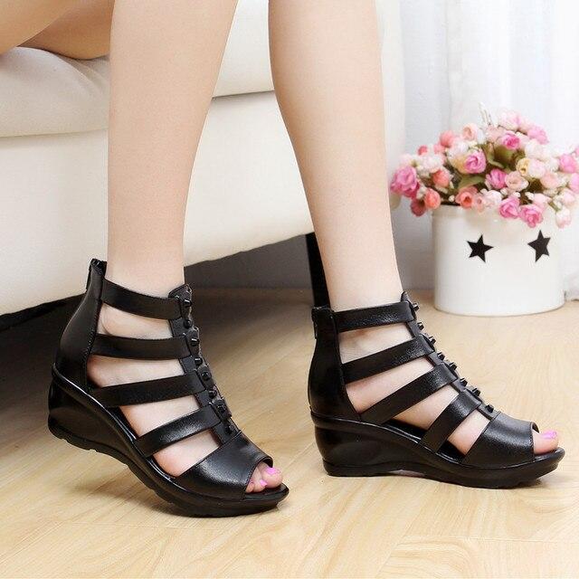 Donne di modo di estate sandali scarpe nere cunei degli alti talloni dei sandali scarpe casual-in Pumps da donna da Scarpe su  Gruppo 2