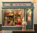 Urso de loja DIY de madeira 3D mini voz ativado luzes de música 10 bonecas móveis casa e loja de decoração