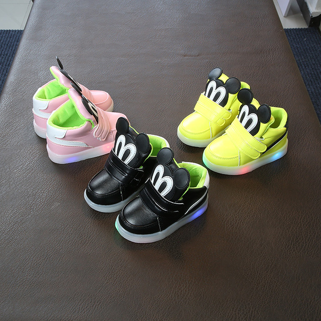 bb8f2d317250 2018 Autumn LED lights cartoon kids short boots 1 to 5 years old baby boy  girl fashion luminous shoes soft sneakers casual shoes