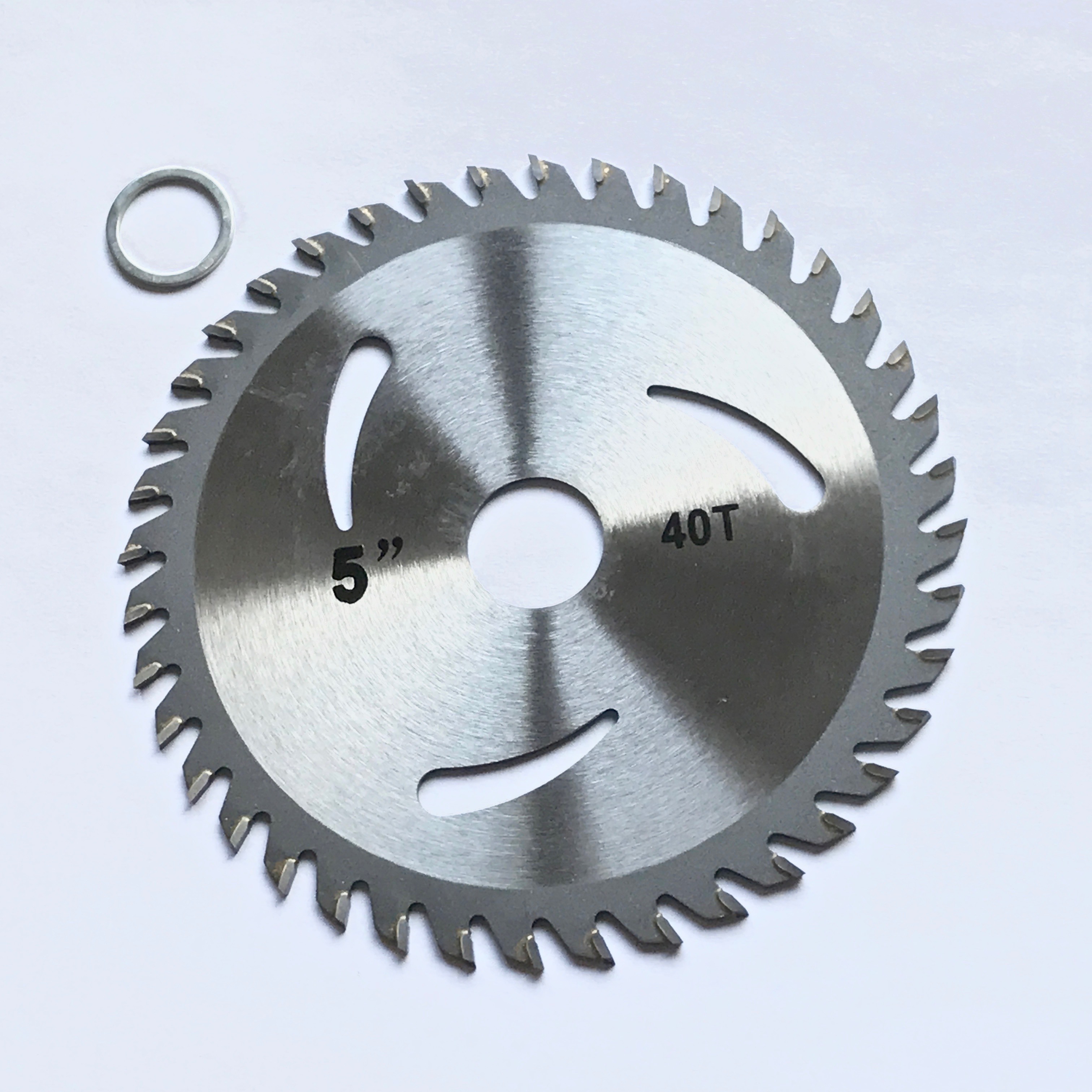 Free shipping 1PC of TCT saw blade 125 22 23 30T 40T with angel grinder using for hard wood thin metal plastic workpiece cutting in Saw Blades from Tools