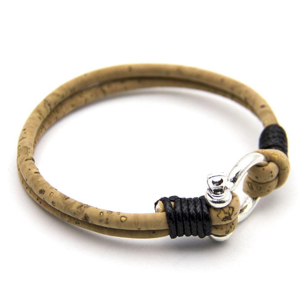 a1fe57ce275b Puedes ponerte el tamaño en los comentarios del pedido. Su hermosa pulsera  está hecha de corcho ...