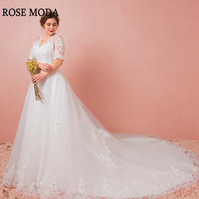 Rose Moda Vintage V Neck Plus Size Wedding Dress With
