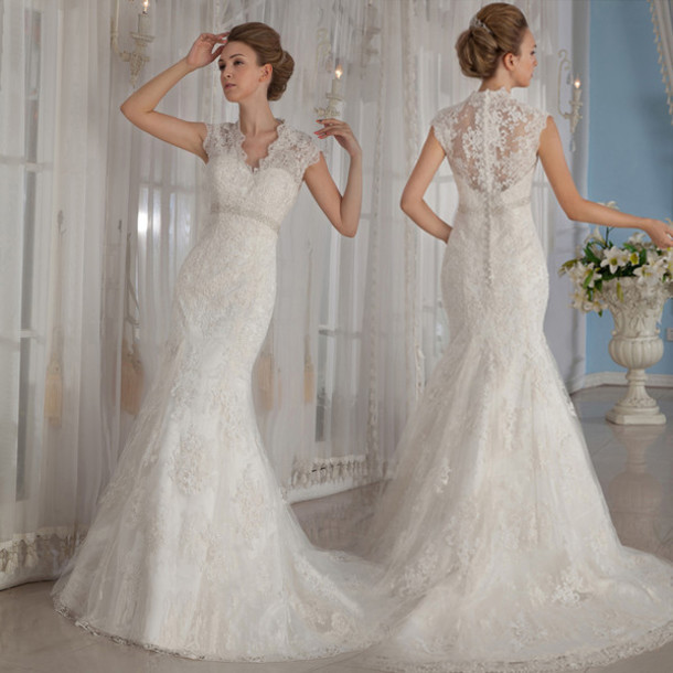 Elegant Classic Lace Mermaid Wedding Dress With Crystals