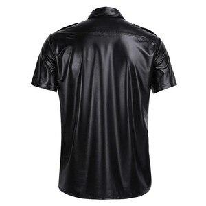 Image 2 - Męskie seksowne miękkie faux skórzane koszulki męskie czarne koszulki obcisłe koszule podkoszulki jako mundur policyjny topy z kołnierzem w dół
