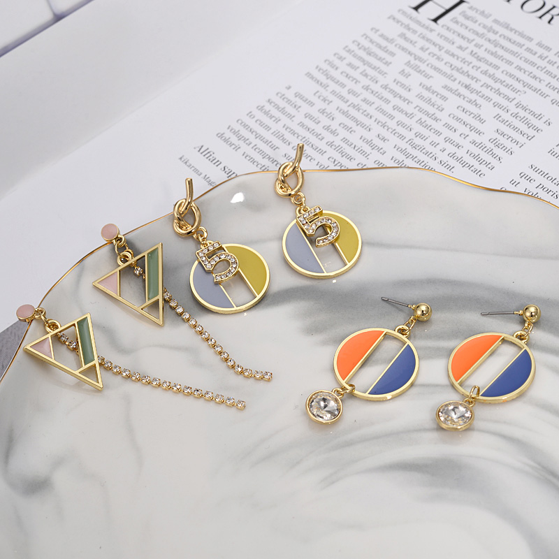 New Metal Geometric Earrings Summer Fashion Fresh Girl Costume Accessories Triangle Pattern Simple Design Jewelry