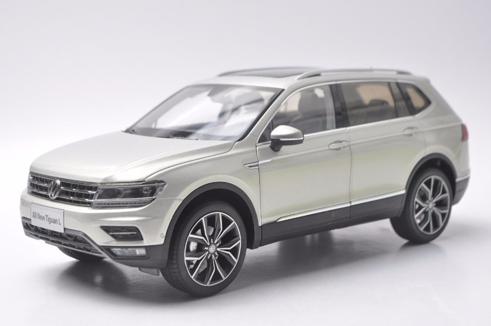 1:18 Diecast Model for Volkswagen VW Tiguan L 2017 Silver SUV Alloy Toy Car Miniature Collection Gifts 1 18 vw volkswagen teramont suv diecast metal suv car model toy gift hobby collection silver