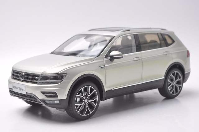 Vw Suv 2017 >> Us 59 8 1 18 Diecast Model For Volkswagen Vw Tiguan L 2017 Silver Suv Alloy Toy Car Miniature Collection Gifts In Action Toy Figures From Toys