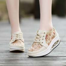 Fashion Breathable Lace Women Shoes Platform Popular Luxury Designers Flats Comfortable Casual