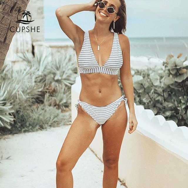CUPSHE Out Of The Ordinary Stripe Bikini Set Women Sexy Back Hook Thong Two Pieces Swimsuit 2019 Beach Bathing Suit swimwear
