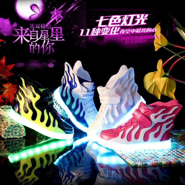 Meninos Meninas Sapatos de Carregamento LEVOU Luz Emitindo Luminosas Asas de Calçados Esportivos Primavera Outono Sapatilhas 11 Estilo Do Esporte Ao Ar Livre Sapatos