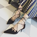 Nueva de Corea del verano de gamuza delgado y puntiagudo zapatos de tacón alto de la boca baja bombas abrigo del tobillo sandalias de correa cruzada mujeres elegantes negro rojo bombas