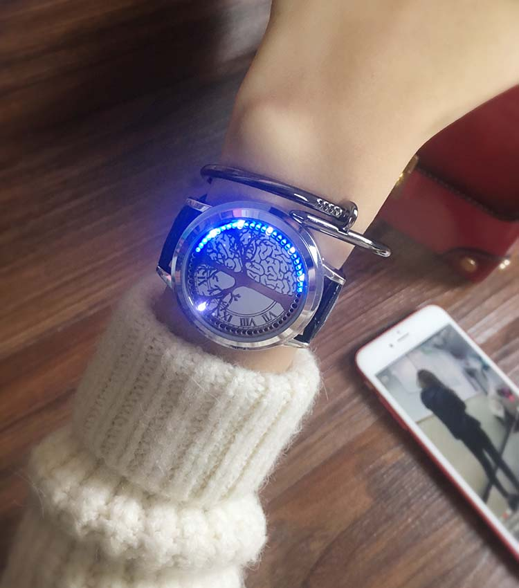 HTB1iHo0wGSWBuNjSsrbq6y0mVXam - New Casual Fashion Elegant Lady Quartz Bracelet Women Wristwatch LED Jewel Lucky Clover Stainless Steel Case Montre Femme