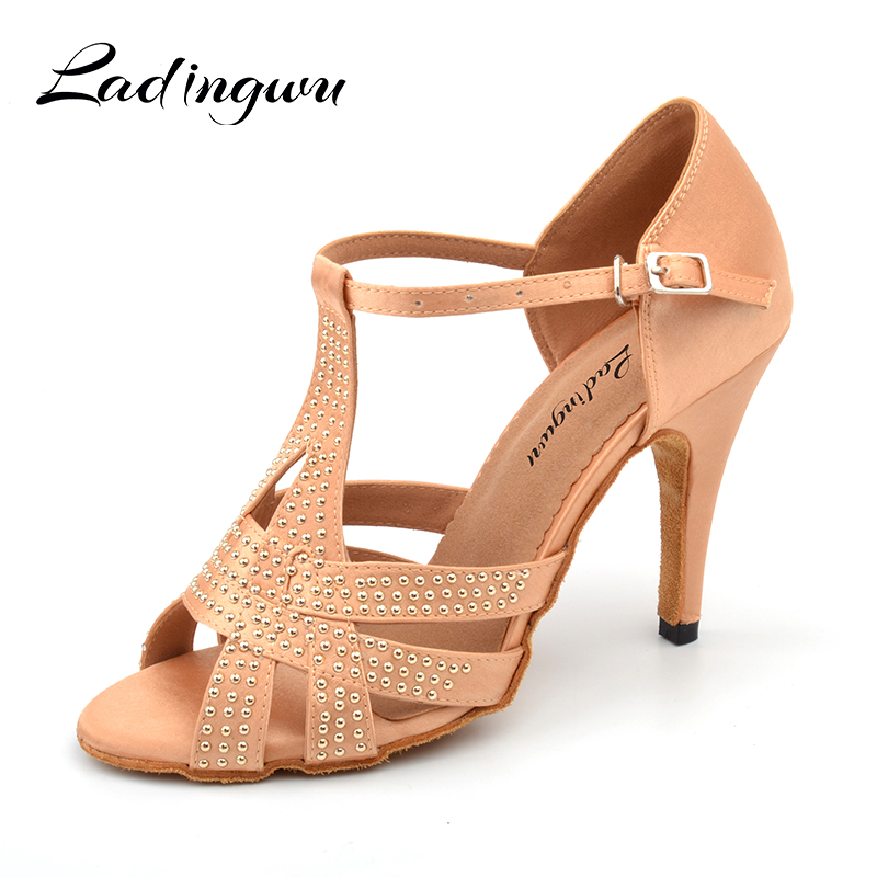 Ladingwu 2018 New Latin Dance Shoes Salsa Woman Satin Apricot/Black Metal Beads Soft Bottom Dance Sandals Ballroom Shoes