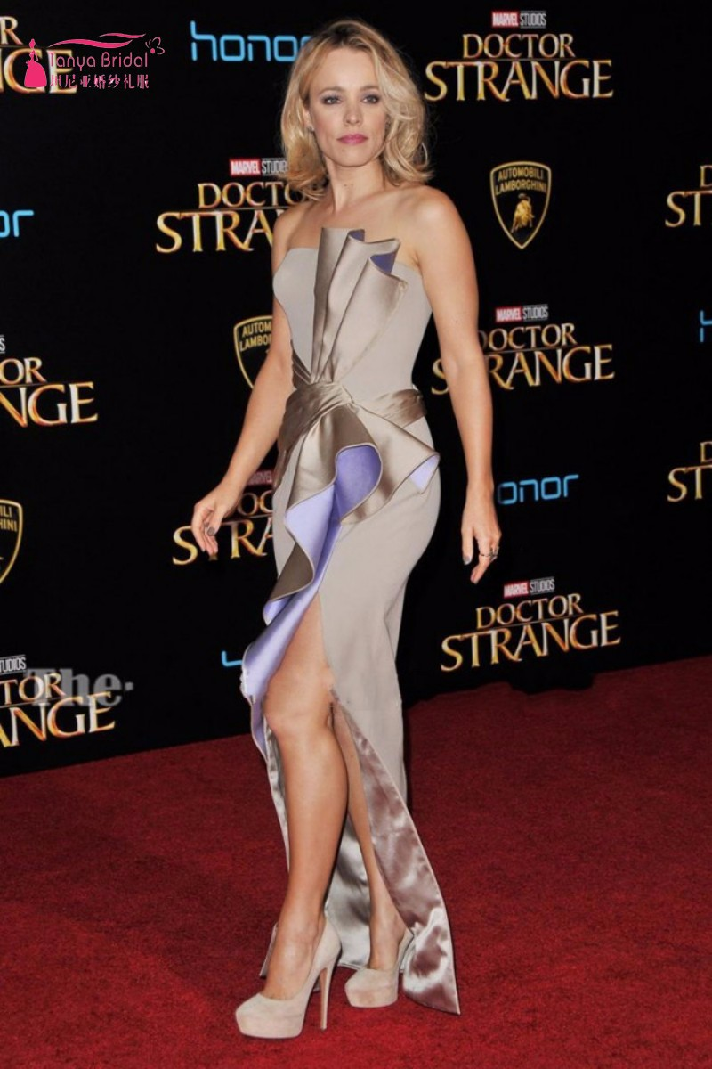 conew_rachel_mcadams_silver_strpless_thigh-high_slit_evening_prom_gown_doctor_strange_premiere_2016-4_conew1