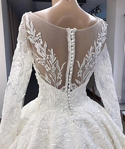 Image 2 - Vestido De Novia Elegante Weiße Spitze Appliques Hochzeit Kleid 2019 Illusion Zurück Lange Hülse Hochzeit Kleid Plus Größe Gelinlik